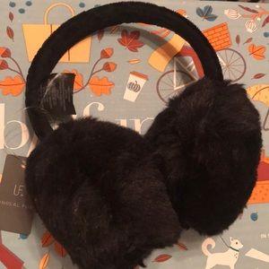NWT ✨ Ear muffs ❄️☃️